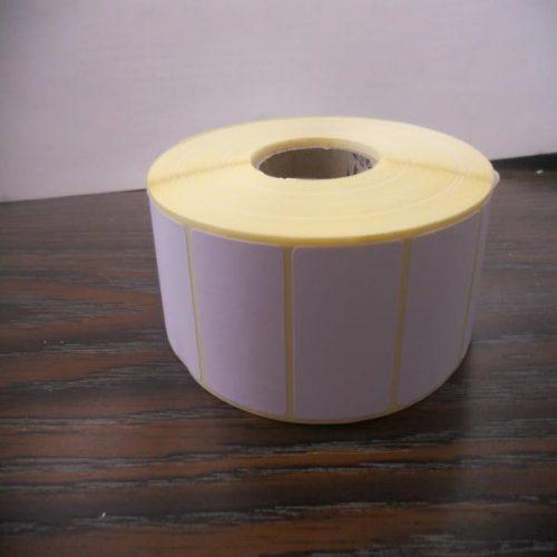 papel couche etiqueta 43x30 de rollo de etiquetas 43x30 cm, blancas.